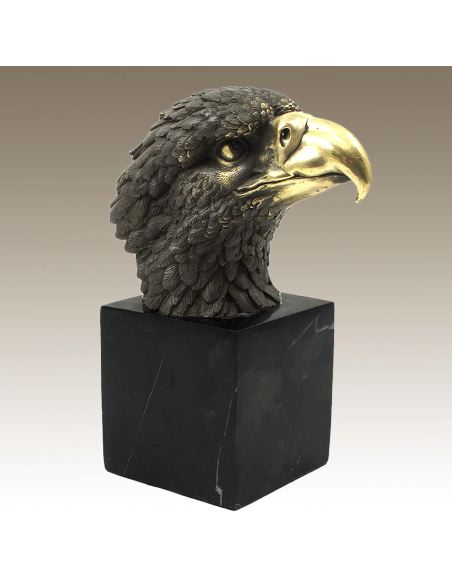 Sculpture en bronze: Tête d'aigle -Patine brune