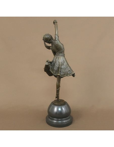 "Sculpture en bronze: Femme Art déco ""Cosaque Danseur"" -Patine brune"