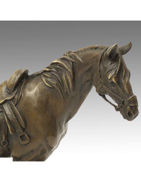 Sculpture en bronze: Cheval scellé -Patine brune