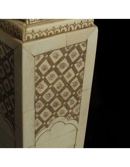 Sculpture sur os: Console 102,5cm avec tiroir